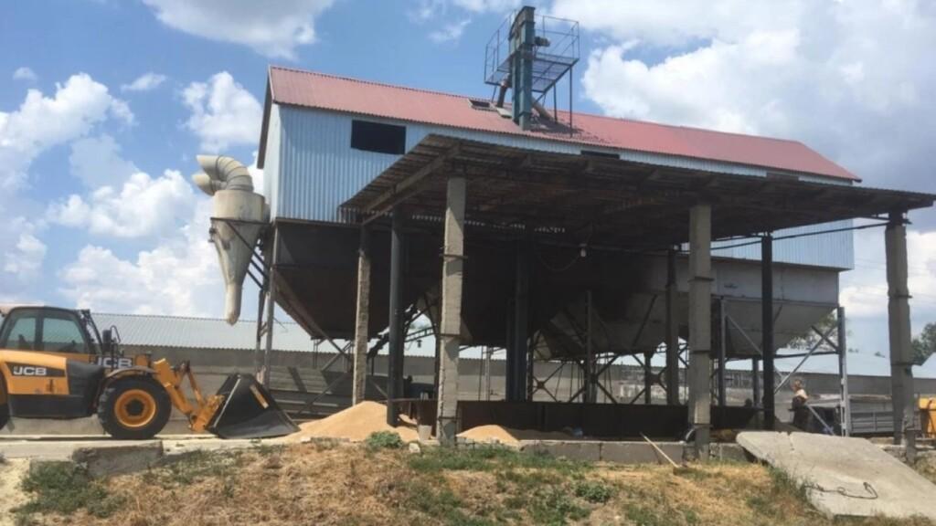 Под Волгоградом подростка насмерть засыпало 14 тоннами пшеницы
