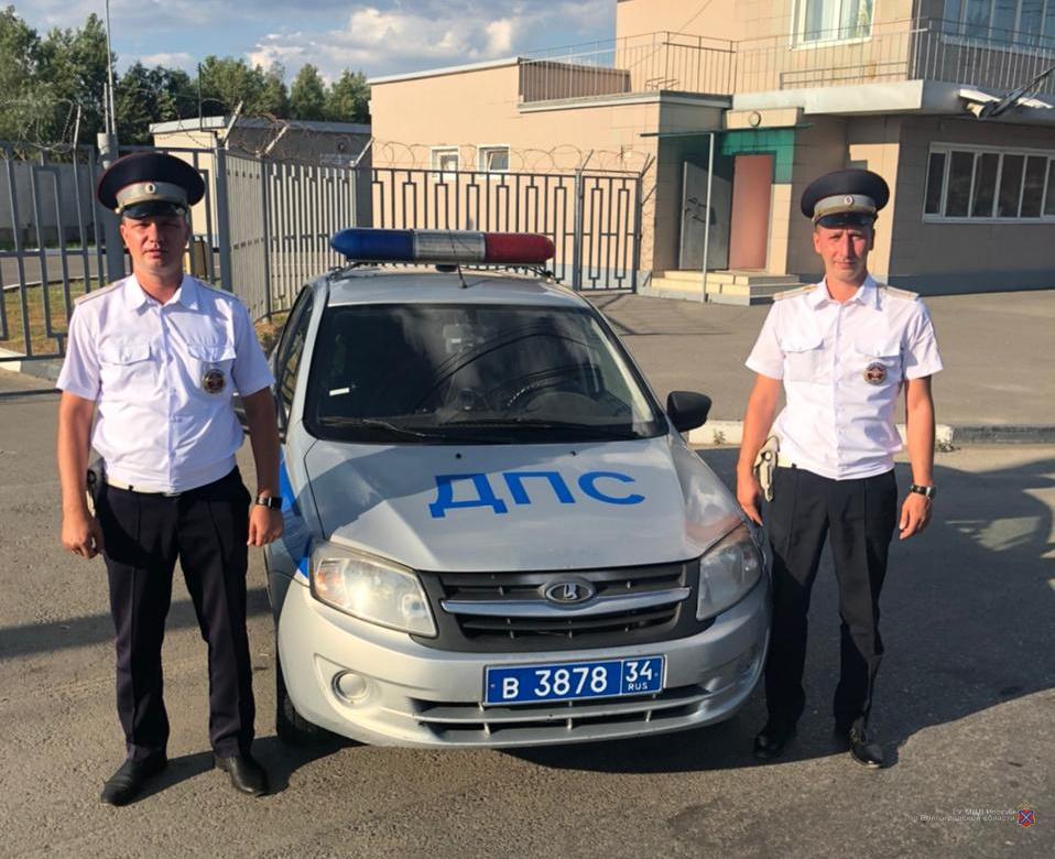 Инспекторы ДПС помогли спасти ребенка на трассе «Сызрань-Волгоград»