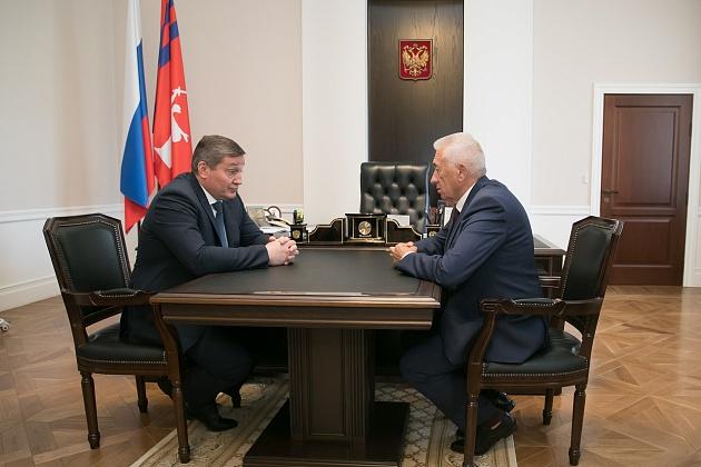 Волгоградский губернатор и председатель облдумы поговорили о напряженной ситуации с COVID-19 без масок
