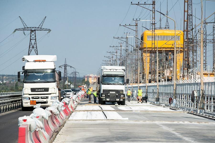 Движение по мосту Волжской ГЭС обещают открыть до 1 сентября