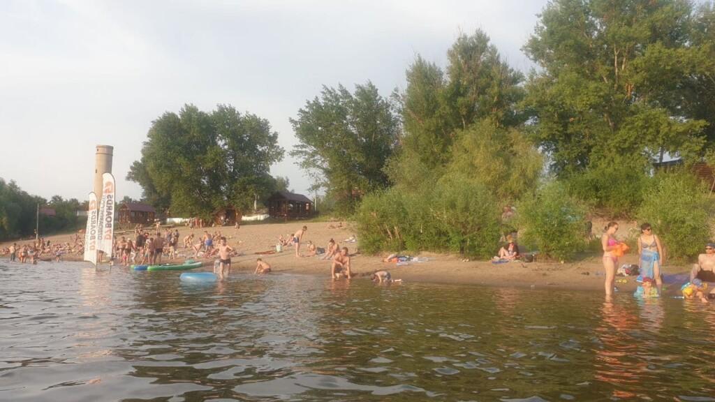 Этим летом россияне купаются на пляжах по новым правилам: в Волгограде к середине лета открыт только один