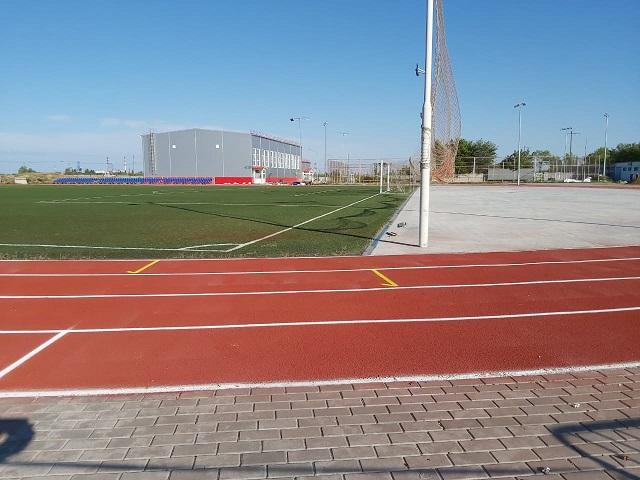 В Красноармейском районе Волгограда продолжается реконструкция стадиона «Темп»