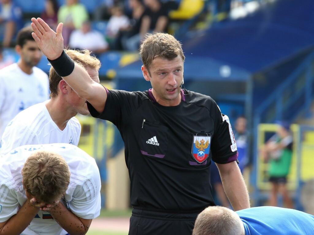Скандально известный судья назначен на матч 21 августа между «Факелом» и «Ротором»