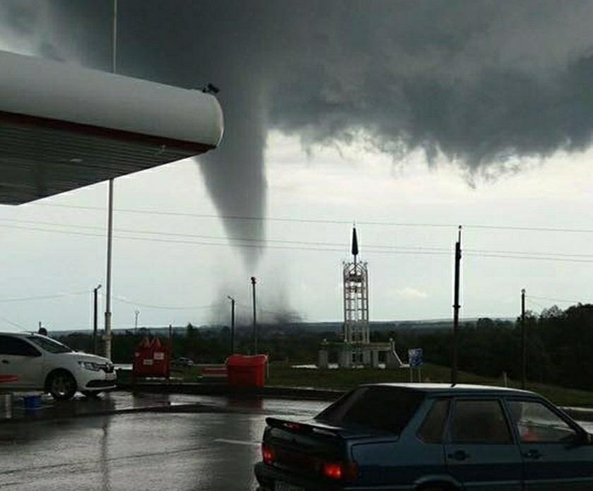 Жителям Среднего Поволжья во вторник обещают торнадо