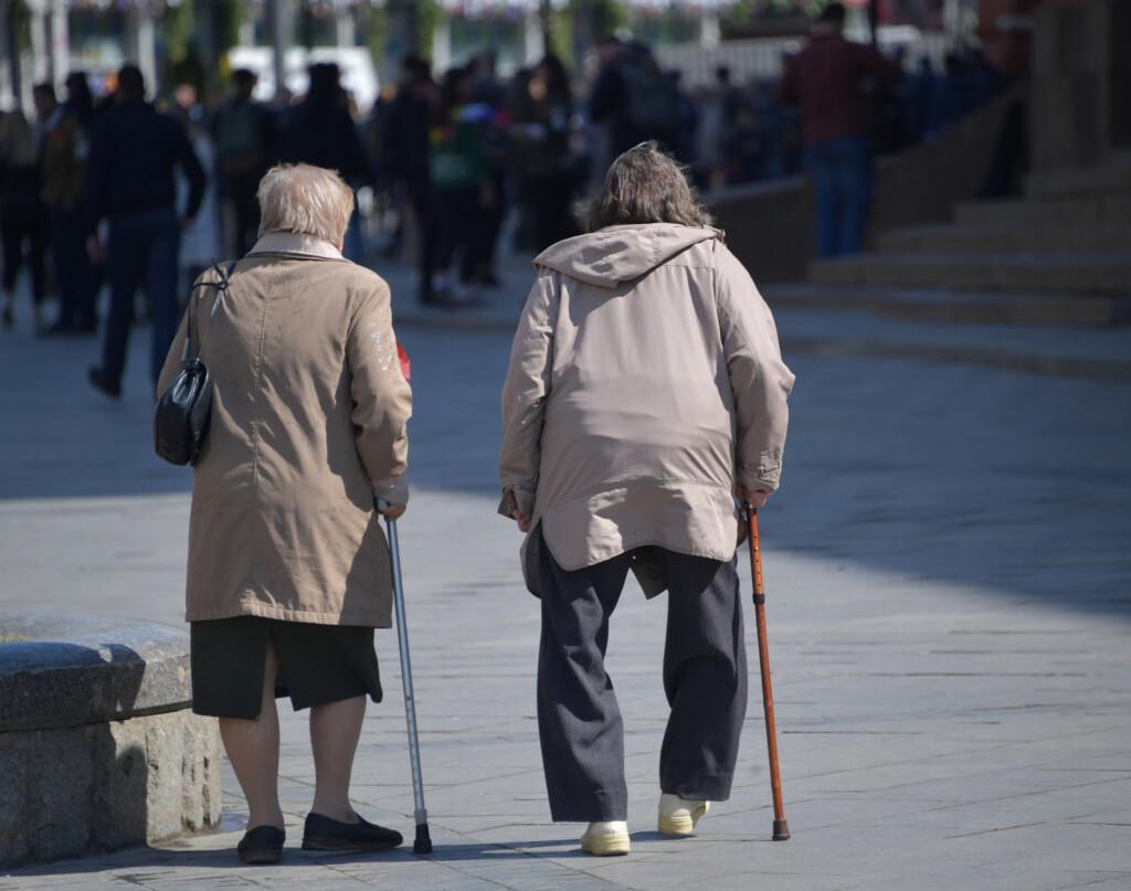 Волгоградцы стали меньше рожать и чаще умирать