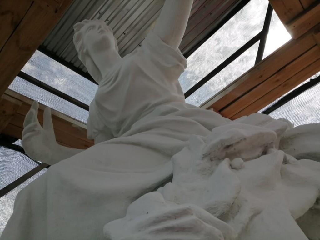 В Волгограде завершают реставрацию скульптур НЭТа