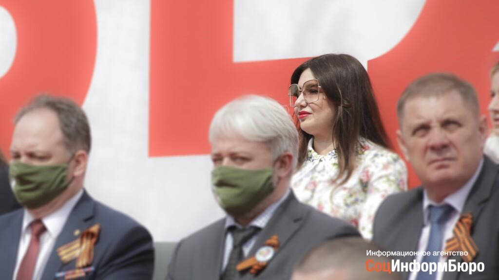 Жена губернатора Бочарова меняет крышу