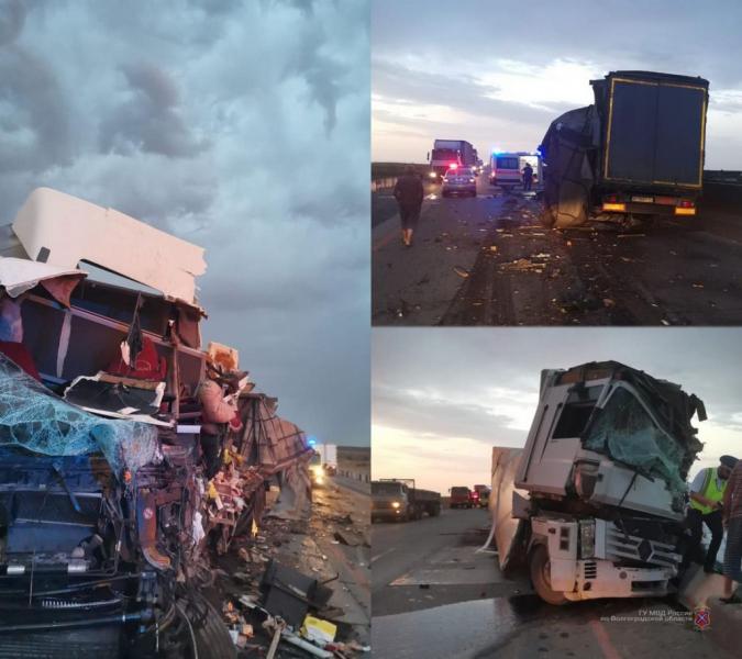 В Волгоградской области на федеральной трассе произошло смертельное столкновение двух фур