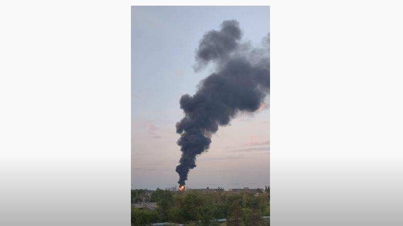 В Волжском тушили масштабный пожар на электроподстанции ВПЗ