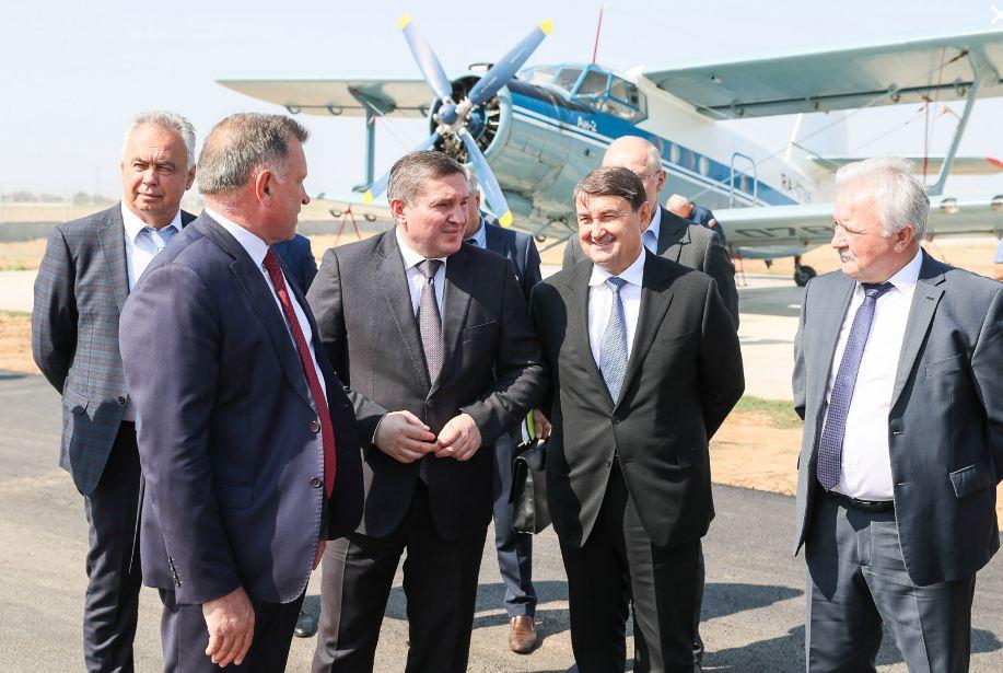 «Что нам стоит дом построить». Губернатор Волгоградской области начал направо и налево раздавать предвыборные обещания