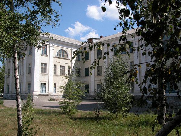 В Волгоградской области привитая врач ЦРБ лечилась от коронавируса и скончалась