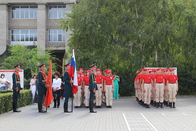 В Волгограде открылся еще один центр по подготовке юнармейцев