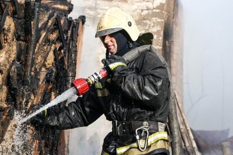 В центре Волгограда случайно загорелась терраса итальянского ресторана