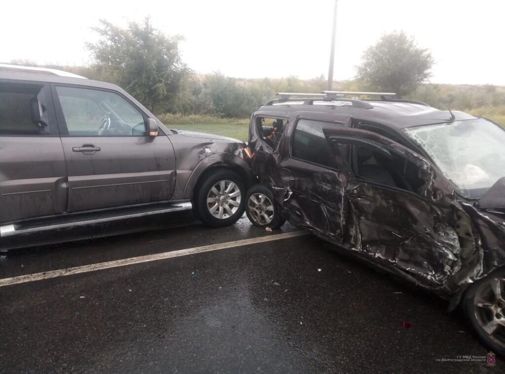 В массовой аварии в Кировском районе Волгограда пострадал молодой мужчина