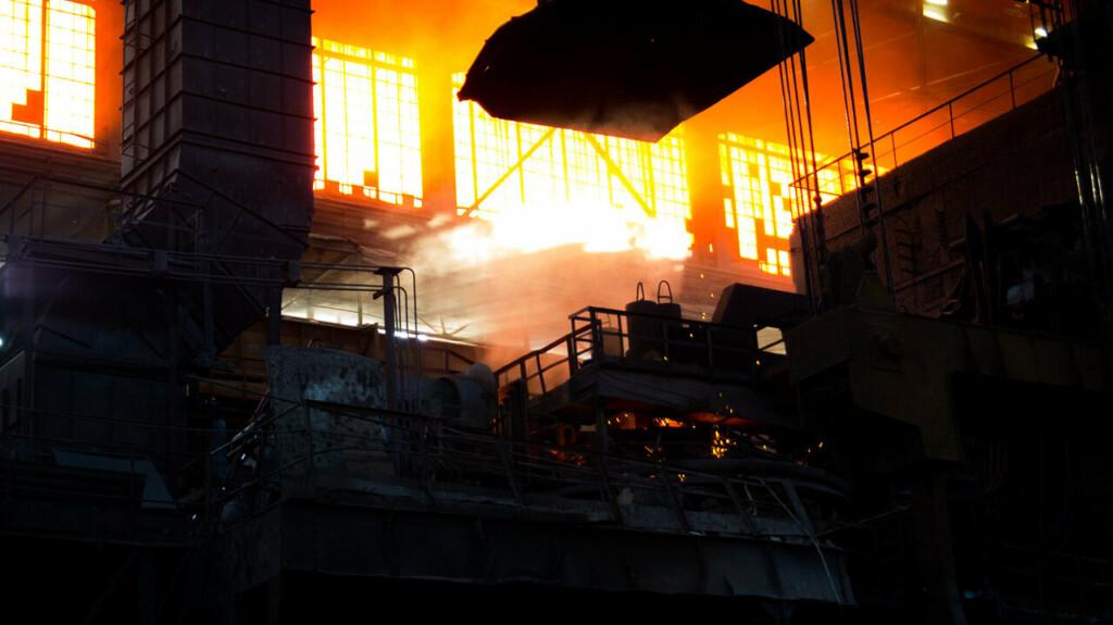 В Волгограде задержали КАМАЗ, груженый станками  завода-банкрота
