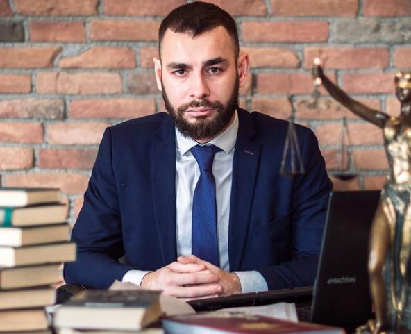 «Их было около шести человек»: адвокат рассказал подробности об избиении известного волгоградского ди-джея