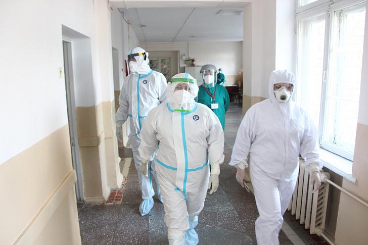 Инфекционные госпитали Волгоградской области заполняют непривитые молодые люди