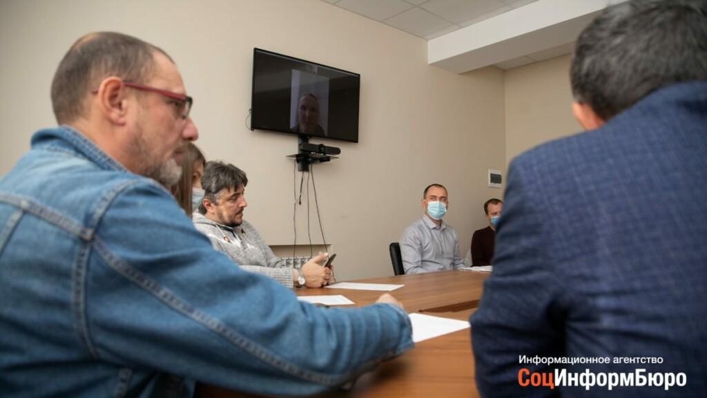 «Слово не имеет силы»: в Волгограде пытаются решить проблему «короля пластика» Романа Себекина