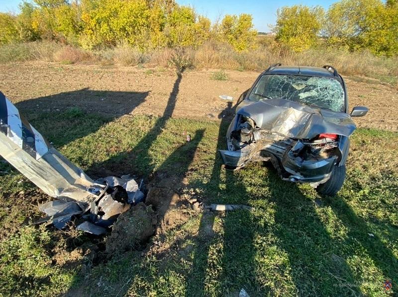 Под Волгоградом попал в аварию «Мерседес» с учениками спортшколы